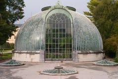 Lednice城堡的历史的温室 免版税库存图片