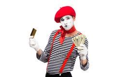 ledsen farsinnehavkreditkort och kassa royaltyfria bilder