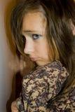 Ledsen flicka Arkivfoto