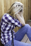 Ledsen härlig blondin som frustreras och Fotografering för Bildbyråer
