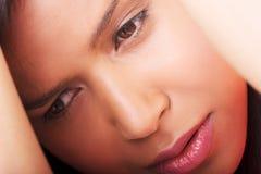 Ledsen hivafördjupning för flicka Arkivfoto