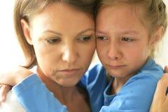 Ledsen mamma och dotter Royaltyfria Bilder