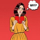 Ledsen olycklig popArt Woman Tearing Paper Red hjärta Royaltyfri Fotografi
