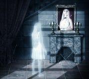 Ledsen spöke som ser på ståenden Arkivbilder