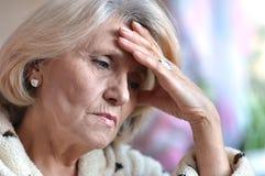 Ledsen gammal kvinna Royaltyfri Fotografi
