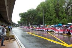 Δημόσιος δρόμος γραμμών για τη διάβαση του φέρετρου του πρώην πρωθυπουργού της Σιγκαπούρης, Lee Kuan Yew Στοκ Φωτογραφία