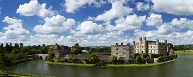Leeds Castle em um dia de verões Imagens de Stock Royalty Free