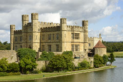 Leeds Castle huvudbyggnad, Maidstone, England Arkivfoton