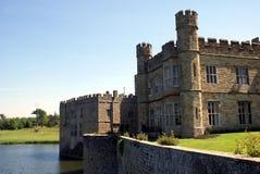 Leeds Castle i Maidstone, Kent, England, Europa Royaltyfri Fotografi