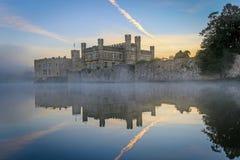 Leeds Castle, Kent, Inglaterra, en el amanecer, Imagen de archivo