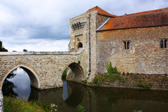 Leeds castle moat Royalty Free Stock Photography