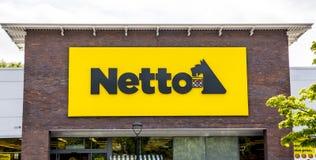LEEDS UK - 20 AUGUSTI 2015 Ny Netto supermarket i Leeds, UK Royaltyfria Bilder