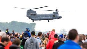 LEEEUWARDEN, ΚΑΤΩ ΧΏΡΕΣ - 11 ΙΟΥΝΊΟΥ 2016: Σινούκ CH-47 στρατιωτικό χ Στοκ φωτογραφία με δικαίωμα ελεύθερης χρήσης