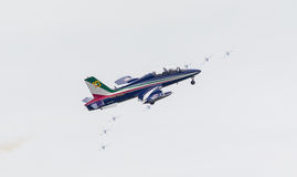 LEEEUWARDEN, ΟΙ ΚΑΤΩ ΧΏΡΕΣ 11 ΙΟΥΝΊΟΥ 2016: Ιταλικό aerobatic τσάι Στοκ Φωτογραφίες