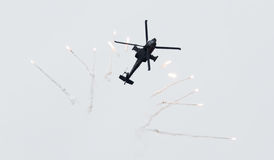 LEEEUWARDEN, ΟΙ ΚΑΤΩ ΧΏΡΕΣ - 10 ΙΟΥΝΊΟΥ 2016: Ολλανδικά ah-64 Apache α Στοκ εικόνα με δικαίωμα ελεύθερης χρήσης