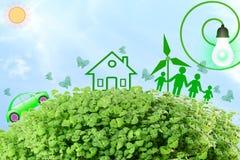 Leef groen denken de groene groene Liefde groene concepten abstracte aard op hemelachtergrond gaat Royalty-vrije Stock Afbeeldingen