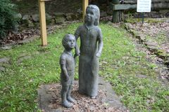 Leeftijd van Onschuldbeeldhouwwerk bij het Tipton-Museum van de Provincie, Covington Tennessee stock foto