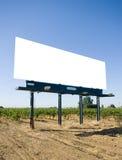 Leeg Aanplakbord in een wijngaard Stock Afbeelding