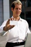 Leeg adreskaartje in een hand Stock Foto