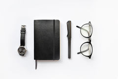 Leeg agenda, pen, en horloge stock afbeeldingen