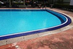 Leeg Blauw Mozaïek zwembad met rimpelingen Royalty-vrije Stock Foto