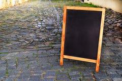 Leeg bord op de straat Copyspace Royalty-vrije Stock Foto