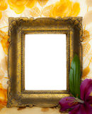 Leeg gouden frame op grungeachtergrond Stock Afbeeldingen
