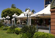 Leeg Modern Openluchtrestaurant Stock Foto's