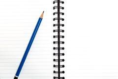 Leeg notitieboekje met potlood, bedrijfsconcept Stock Fotografie