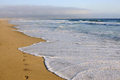 Leeg oceaanstrand dichtbij Los Angelos, Californië Stock Afbeelding