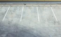 Leeg parkeerterrein Stock Afbeeldingen