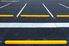 Leeg parkeerterrein, Openbaar parkeerterrein, Openluchtparkeren Stock Foto