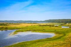 Leeg Russisch landschap Sorotrivier in de de zomerdag Royalty-vrije Stock Foto's