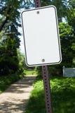 Leeg teken bij een park Stock Afbeelding