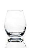 leeg tulp gevormd wisky of cognacglas stock foto's