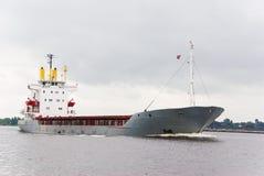 Leeg vrachtschip Stock Afbeeldingen