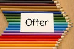 Leeg Witboek en kleurpotlood op houten achtergrond Royalty-vrije Stock Foto