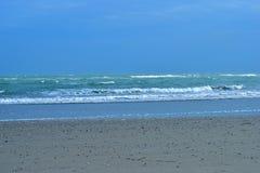 Leeg zandig strand bij eiland Pelestrina Royalty-vrije Stock Afbeelding