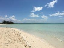 Leeg zandig strand, Cuba Stock Afbeelding