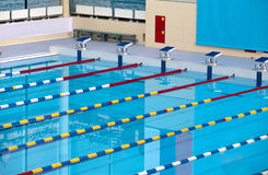 Leeg zwembad Stock Foto's