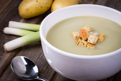 Leek and potato soup vintage Stock Photography