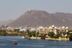 Leela Palace y palacio de la monzón en Udaipur fotos de archivo libres de regalías
