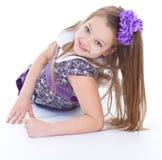 Leende av de härliga 6 åren gammal flicka Arkivfoton