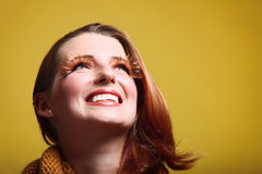 Leende för eye-lashes för glamour för flicka för höstkvinna nytt Royaltyfria Foton