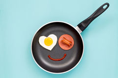 Leendefrukost på en panna Arkivbilder