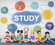 Leer en leid het Grafische Concept van de Onderzoekkennis stock afbeeldingen