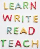Leer Gelezen schrijf en verfraaide koekjes onderwijs Stock Foto's
