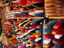 Leer Marokkaanse pantoffels Stock Fotografie