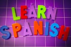 Leer Spaans taalalfabet op magneten lettersr stock fotografie