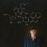Leer wetenschap of chemieleraar met krijtachtergrond Stock Afbeeldingen